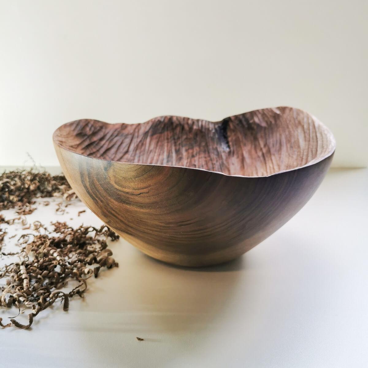 coupe unique bois noyer sculpte